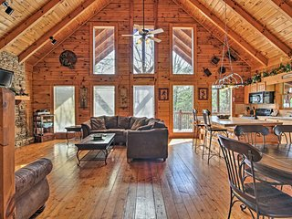 NEW! Private Cabin w/Hot Tub-3 Mi. to Pigeon Forge