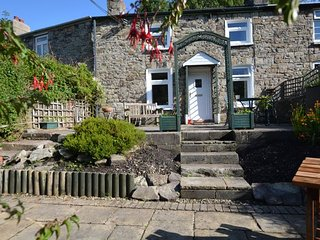 26594 Cottage situated in Abergavenny (5mlsE)