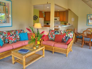 Spacious Resort Condo, BBQ, Free Fitness Club, walk to Poipu Beach
