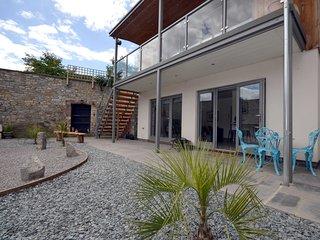 45728 Apartment situated in Glastonbury