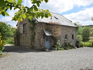 37090 Barn situated in Buckland Brewer