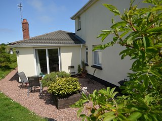 51619 Bungalow situated in Combe Martin (3mls E)