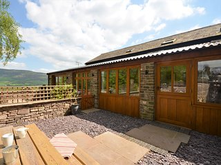 47886 Cottage situated in Abergavenny (2mls N)