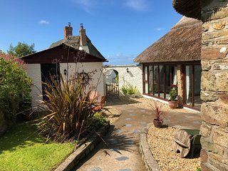 53601 Barn situated in Bude (4mls E)