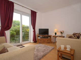 53635 Apartment situated in Bude (1.5mls N)