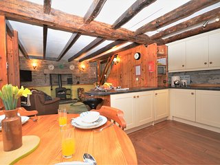 04708 Cottage situated in Looe (6mls N)