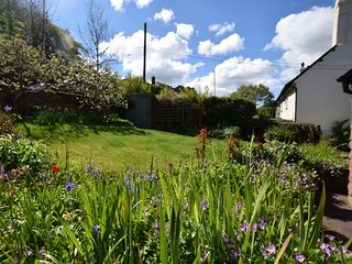 COWBR Cottage situated in Dunster (2mls SW)