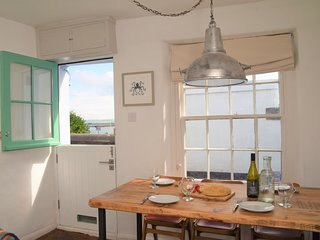 52863 Cottage situated in Appledore