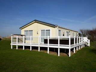 48724 Cottage situated in Camber