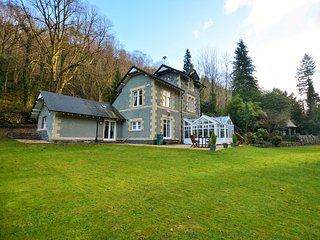 55115 House situated in Betws-y-Coed (1.5 mls SE)