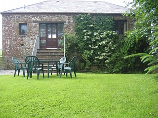 SHEPH Barn situated in Bude (6mls NE)