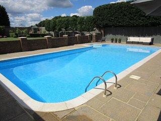 43355 Cottage situated in Tunbridge Wells (3.5mls NE)