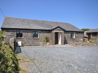 PENDB Barn situated in Tintagel (4mls S)