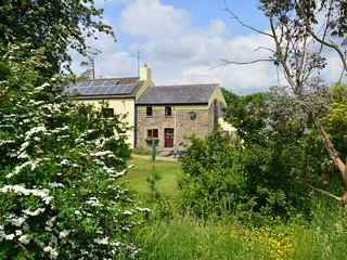 45071 Cottage situated in Narberth (4mls E)