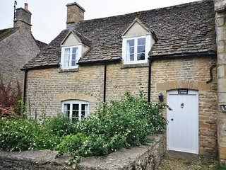 40192 Cottage situated in Lechlade (4mls NE)