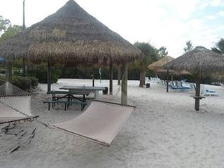 Bahama Bay Resort Condo - 705 Gran Bahama