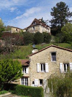 Au Pied du Chateau (4 a 10 personnes) - Proximite de SARLAT - wifi GRATUIT