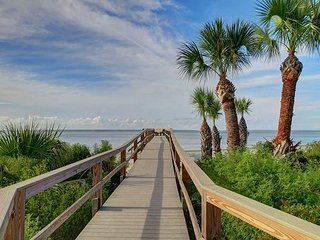 Wonderful Tybee Island Vacation Rental! Great Location, Close to Restaurants,