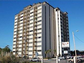 Holiday Towers 3BR/3BA Located in South Myrtle Close to the Boardwalk