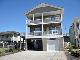 5 BR home on Channel steps to beach in Cherry Grove w/pool, Ocean views clean