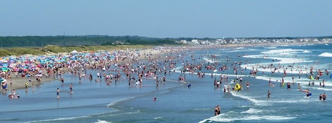 Ogunquit beach is a 20-25 minute walk from the cottage.