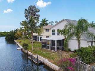 $ 560.a week - Sept./Oct !  Bonita Springs Waterfront with private dock, wifi