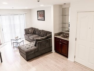 Luxury 1 bd 1 bath next to UCLA&Westwood_106
