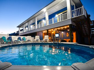 New Luxury Home, Amazing Views, Heated Pool/Spa, Outdoor Tiki Lounge, Indoor Bar