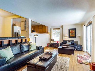 NEW LISTING! Ski-in/ski-out condo on Dollar Mtn w/ amenities, walk to lifts!