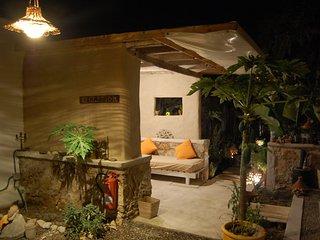 B&B, eco lodge, hostel, auberge, Karfa & Kamun