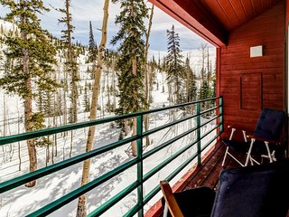 Charming ski-in/ski-out family home with shared hot tub and sauna