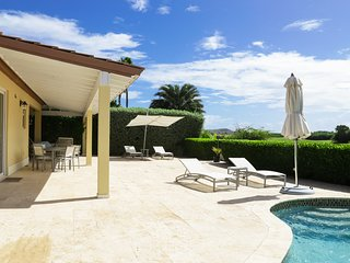 Oleander 21 3-bedroom villa with private pool and beautiful golf course views