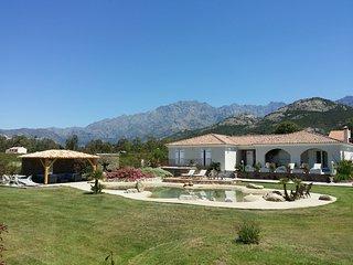 villa standing, piscine, vue mer & montagne, calme
