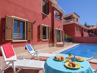 Apartamento con piscina privada, cerca del mar!
