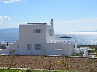 Villa LIMANI. New Golden Beach, Panorama Sea View, Superior-Jacuzzi!