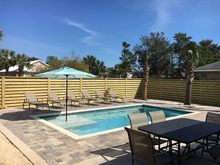 Spring Breakers Welcome! 4b/2ba PRIVATE POOL & Free Golf Cart!