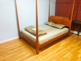 Prime Location of Flushing Queens, Private Room A