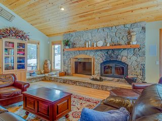 Spacious, mountain home w/ views & private hot tub - dogs welcome!