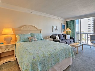 NEW! Daytona Beach Studio w/Pool - Steps to Beach!