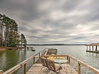 NEW! Cozy 1BR Lake Norman Apt w/Dock & Fire Pit!