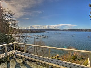 Waterfront Vashon House w/ Beach Access Path!