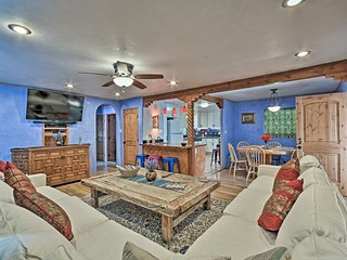 Cozy 'Blue Adobe' w/ Steam Room 2 Mi. from Taos!
