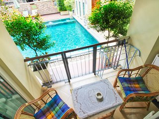 Nightlife and Family-Friendly Direct Pool Access Apt. next to Jomtien beach!