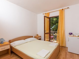 Apartment & Rooms Papa - Standard Double Room with Balcony (Soba 3)