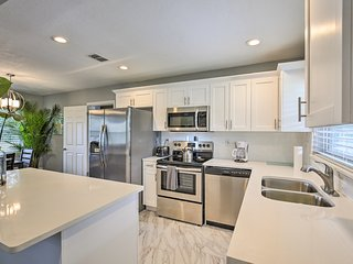 NEW! Newly Renovated Clearwater Home-5mi to Beach!