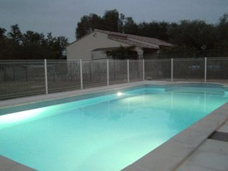 Villa met zwembad in 'La Gard' op de grens van de Provence- Ardeche Frankrijk