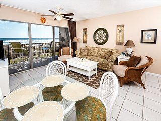 ETW 1004:UPDATED beach front 1BR, FREE beach service, GOLF, SNORKELING daily