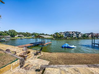 Cedar Creek Lake House w/Fire Pit & Private Dock!