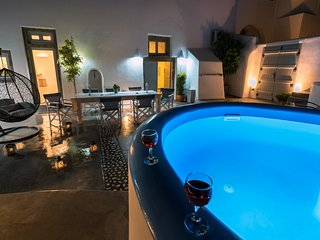 Nereids Private Villas up to 15pax & Welcome Drink