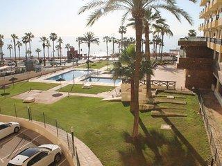 *Nuevo apartamento!!. Aloha Playa, Primera linea de playa con piscinas